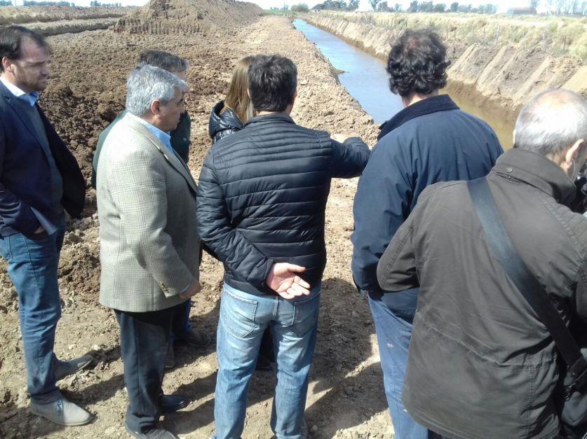 Vidal recorrió obras hídricas en General Villegas